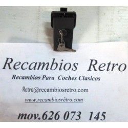 CERRADURA TAPA MOTOR CON LLAVE NEGRA SEAT-133